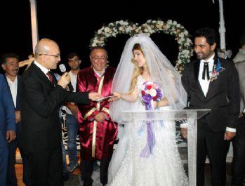 Başbakan Yardımcısı Şimşek, yeğeninin nikah şahidi oldu