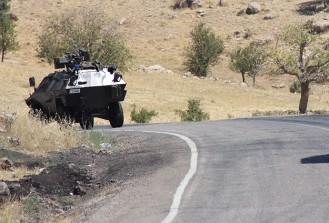 Van'da askeri araca bombalı saldırı