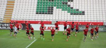 Letonya Türkiye maçına hazır