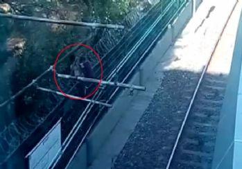 Metro raylarında tehlikeli anlar