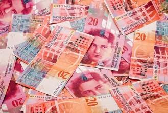 Avro ile dolar konuşuldu İsviçre Frangı kazandırdı