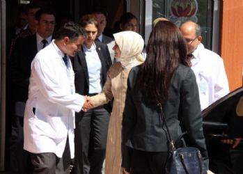 Sare Davutoğlu şehit eşinin doğumuna girdi
