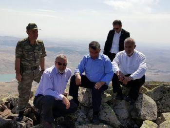 Meclis Başkanı dağa çıktı