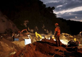 Heyelan faciası: 73 ölü, 350 kayıp