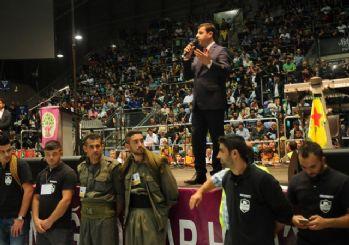 Demirtaş'ı Almanya'da PKK'lılar korudu