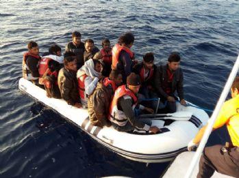 Bin 451 göçmen kurtarıldı 4'ünün cesedi çıkarıldı