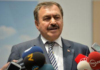 http://www.hurhaber.com/eroglu-ahmet-hakan-a-ak-parti-ye-zarar-vermek-icin-saldirildi-haberi-28688.html