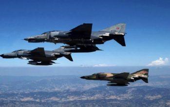 Türk jetlerine bir taciz daha