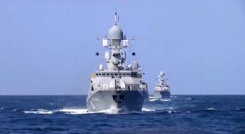 Hazar Denizindeki savaş gemileri roket atışına başladı