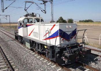 Milli lokomotif bugün raylara iniyor