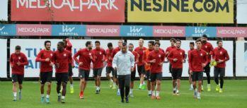 Galatasaray'ın Panthrakikos maçı kadrosu belli oldu