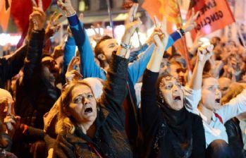 Taksim'de 'patlama' protestosu