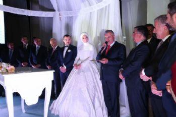 Başbakan evliliğin sırrını açıkladı