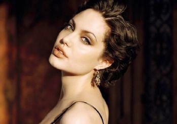 Angelina Jolie'ye Rusya'dan talip