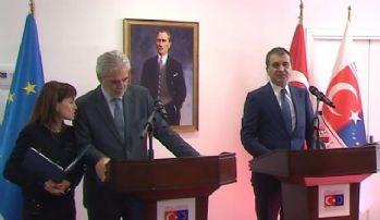 Bakan Çelik, Birleşik Krallık Dışişleri Bakanı Johnson ile bir araya geldi