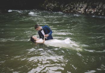 Dereler düğün fotoğraflarına dekor oldu