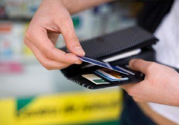 Kredi kartına taksit ve borç yapılandırma resmileşti