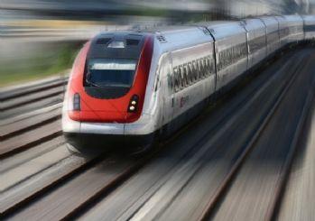 ABD'de feci tren kazası: 3 ölü, 100'den fazla yaralı