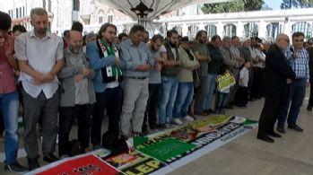 Fatih Camii'nde Halep için gıyabi cenaze namazı