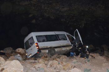 Bu minibüs 4 kişiye mezar oldu