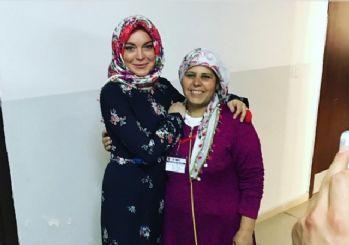 Lindsay Lohan Gaziantep'te mülteci kampını ziyaret etti