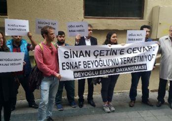 Yönetmen Sinan Çetin'e ait iş yerinden çıkartılan işletmeci ve esnaf eylem yaptı