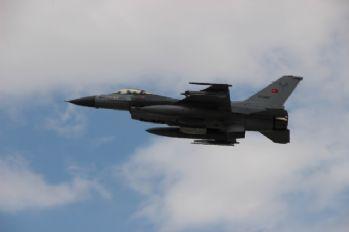 Türk jetleri, Halep'in kuzeyindeki PYD/YPG'yi vurdu