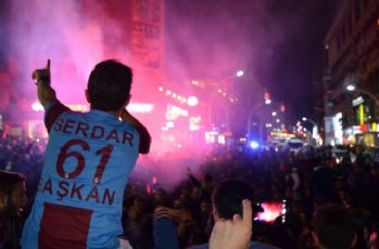 Trabzon sokaklarında coşku