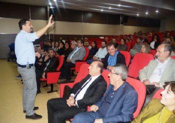 Polat Doğru'dan velilere seminer