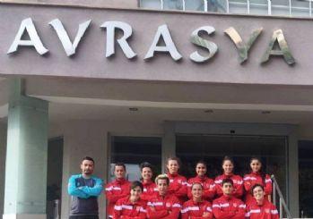 Osmaniye kadın futbol takımı, şampiyonluk parolası ile kampa girdi