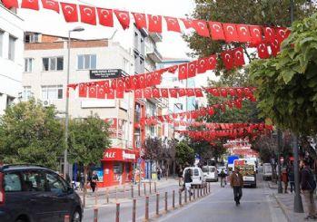 Bandırma caddeleri kırmızı-beyaz