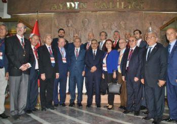 Türkiye Gazeteciler Federasyonu Heyeti Vali Koçak'ı ziyaret etti