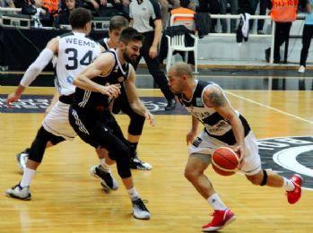 Beşiktaş Sompo Japan evinde kazandı
