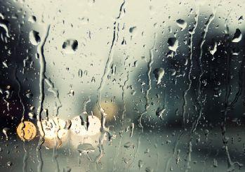 Asit yağmuru uyarısı! Dışarı çıkmayın yağmur suyu içmeyin