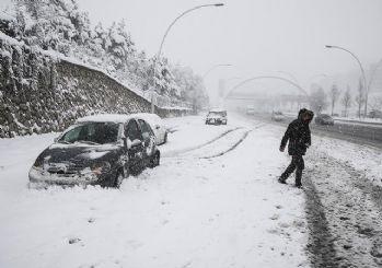 Meteoroji'den kar uyarısı! Okullar tatil edildi