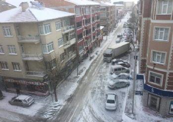 İstanbullular dikkat! Meteoroloji saat verdi Yoğun kar yağışı geliyor