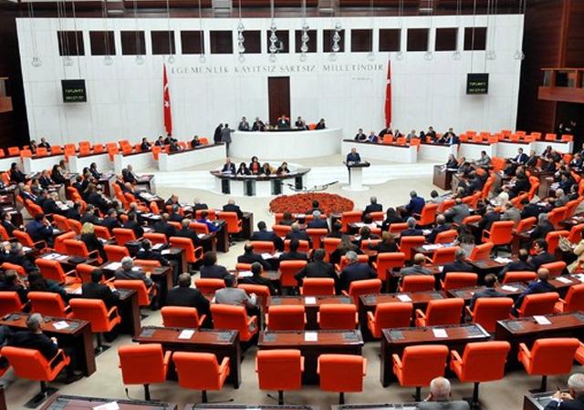 Anayasa değişiklik teklifinin 3. maddesi üzerinde görüşmeler başladı