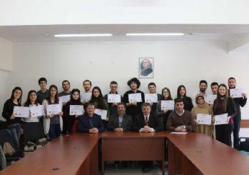 SAÜ'de başarı gösteren öğrencilere sertifika verildi