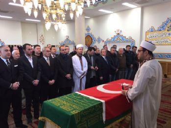 Osmanlı hanedan reisi Beyazid Osmanoğlu'na veda