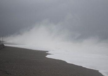 Antalya'da Konyaaltı sahilinde görsel şölen