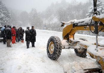 Osmangazi'de karla mücadele kesintisiz sürüyor