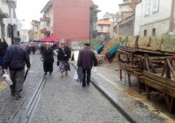 Aydın'da kar ve soğuk hava pazarı vurdu