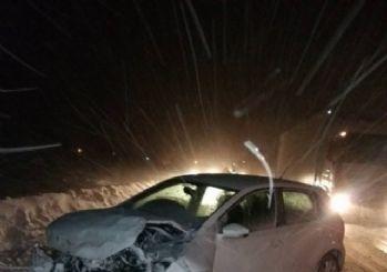 Niğde'de kar ve tipi kazaya neden oldu; 1 yaralı