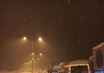 Bolu Ankara yolunda yoğun kar yağışı
