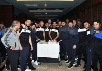 Muhammet Demir'e doğum günü kutlaması