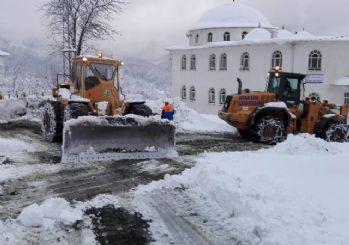 Ulaşımda kar engeli aşılıyor