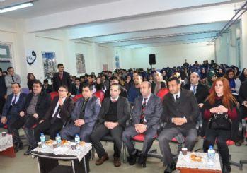 Bulanık'ta 'Din Bilimleri ve Felsefe' konferansı