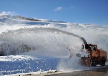 Tunceli'de karla mücadele çalışması