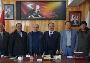 AK Partili siyasiler Akdemir'i ziyaret etti
