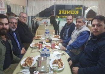 Osmaneli'de görev yapan eski ile yeni gazeteciler yemekte buluştu